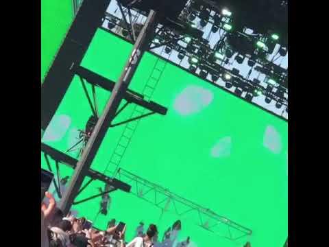 Cardi B - Money Bag (Coachella week 2) short cut)