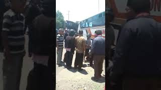 Video Kecelakaan Beruntun Gunung Mulia Di Sukoharjo MP3, 3GP, MP4, WEBM, AVI, FLV Oktober 2018