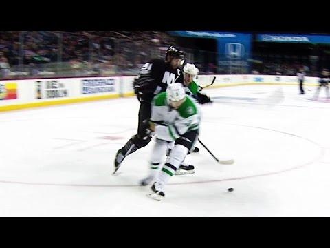 Gotta See It: Tavares undresses Klingberg for great goal