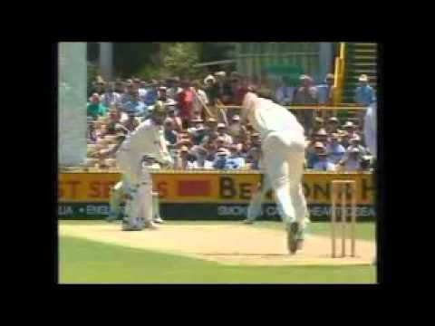 Funny Cricket Wonders and Blunders, (Part 4, Fielding Blunders) .flv