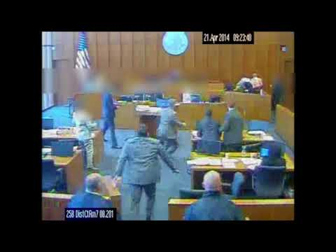 Siale Angilau is fatally shot in federal court (видео)