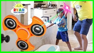 GIANT FIDGET SPINNER MAGICAL PAINTBRUSH