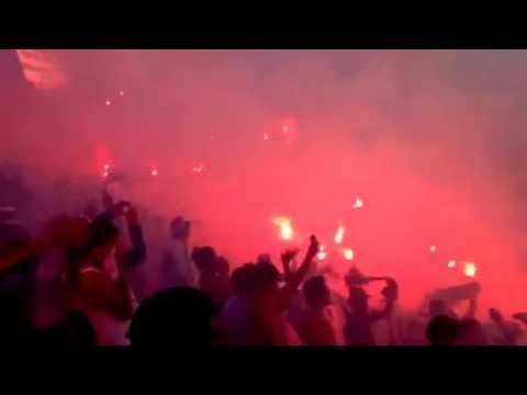 [31/8/14] clásico capitalino, Bengaleo de la Ultra Fiel - La Ultra Fiel - Club Deportivo Olimpia