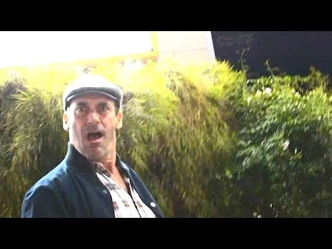 Jon Hamm's PRICELESS Reaction After Pap Runs Into Street Pole