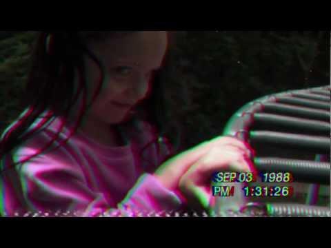 0 Paranormal Activity 4 Fragmanı İzle