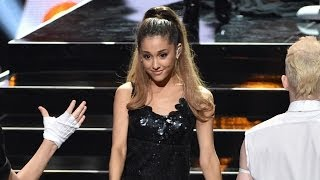 Nonton Ariana Grande Strips Down For Iheartradio Music Awards Performance Film Subtitle Indonesia Streaming Movie Download