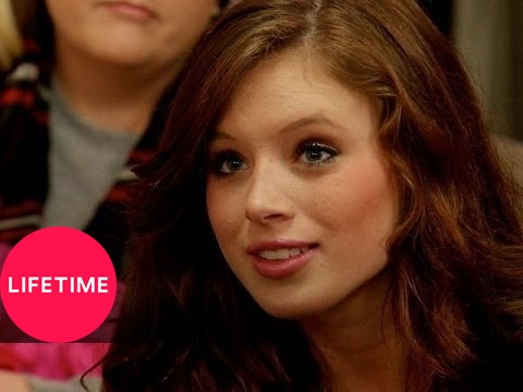 Kim of Queens: Swimsuit Anxiety (S1, E11) | Lifetime