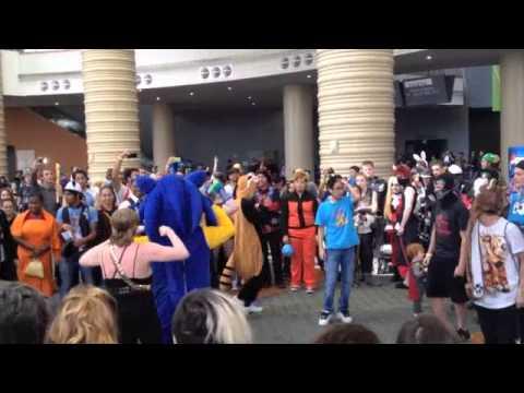 Impromptu Dance Circle at MegaCon 2014