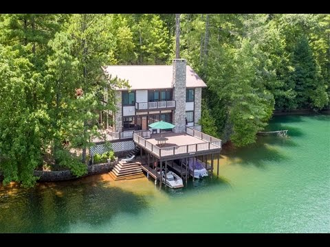 Private Lakefront Living in Lakemont, Georgia