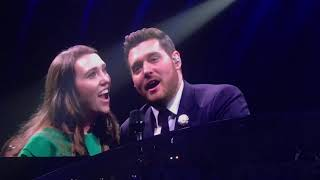 Video Michael Bublé - Singing with Audience Member Katy Saunders - Leeds First Direct Arena - 3/6/19 MP3, 3GP, MP4, WEBM, AVI, FLV Agustus 2019