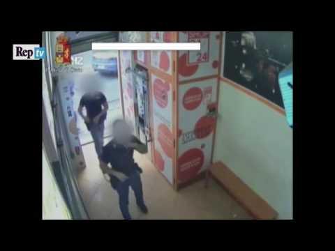 لص مغربي يحاول الاختباء بطريقة فريدة لكنه يقع في أحضان الشرطة الايطالية  المزيد