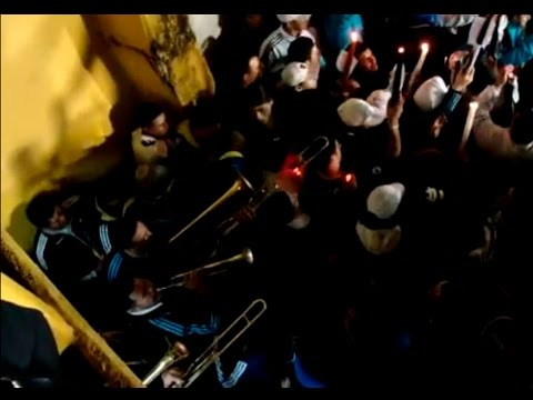 Video - Entra la 12. Marcha funebre y velas - La 12 - Boca Juniors - Argentina