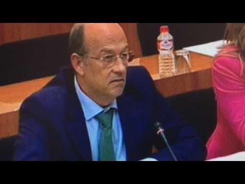 Tortosa pide la dimisión del Consejero de Hacienda...
