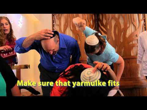 Apple Honey - A Rosh Hashanah New Year's Music Video from the clergy, educators and staff at Temple Sholom in Vancouver BC. We are a Reform Congregation that honours and s...