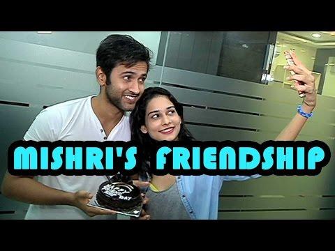 Mishkat Varma & Aneri Vajani's special treat on fr
