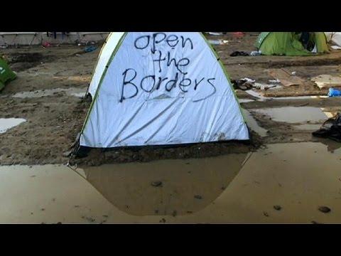 Ειδομένη: Στο έλεος του καιρού οι πρόσφυγες