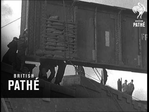 Placing A Hundred Ton Girder In Place At Speke, Nr. Liverpool (1938)