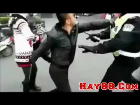 trẻ trâu tàu khựa manh động rút dao chém cảnh sát