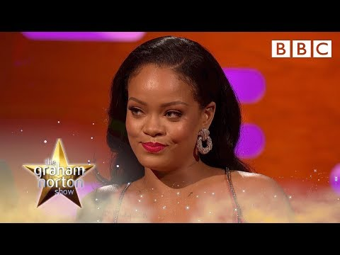 Rihanna keeps wine glasses from nightclubs - BBC