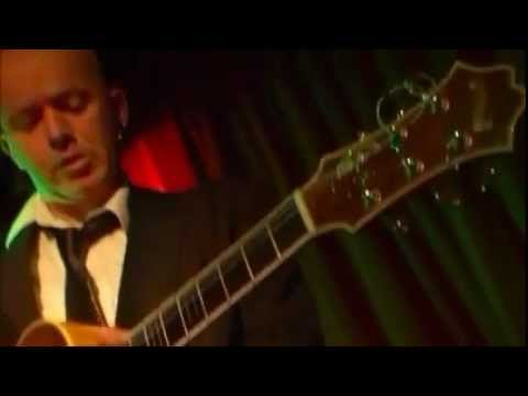 A  5 Minute Soundbite of Eamonn Moran, Guitarist.