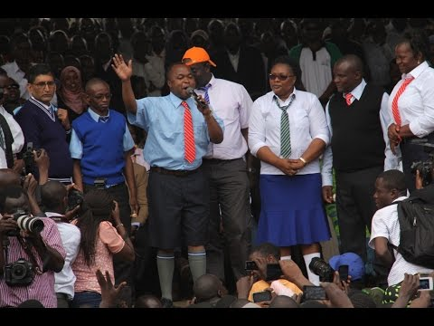 Kenyan MPs do a jig in school uniform