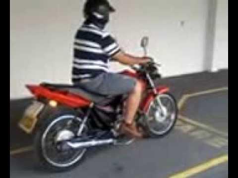 Patio de treinamento de moto na Auto Escola Nova Era - Pereira Barreto-SP