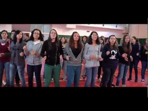ORA di Jovanotti cantato dagli studenti