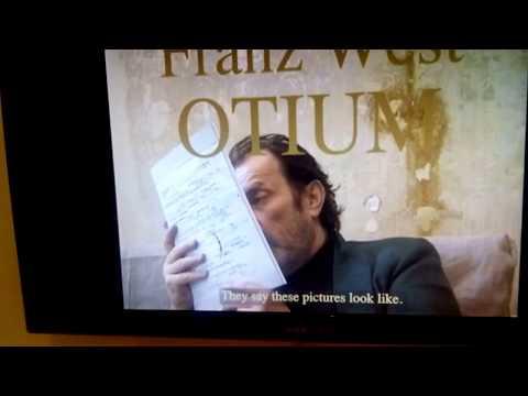 Der Österreicher Franz West in der Hauptausstellung d ...