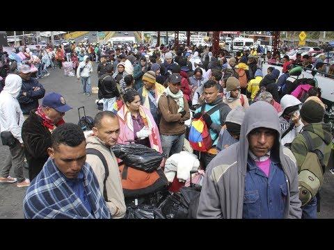 Эквадор закрыл границу для венесуэльцев без паспортов