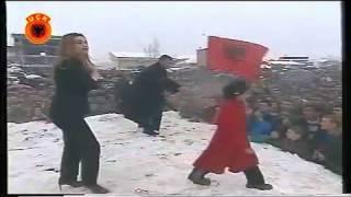 Leonora Jakupi - Mos E Prek Ushtarin Tim (Official)
