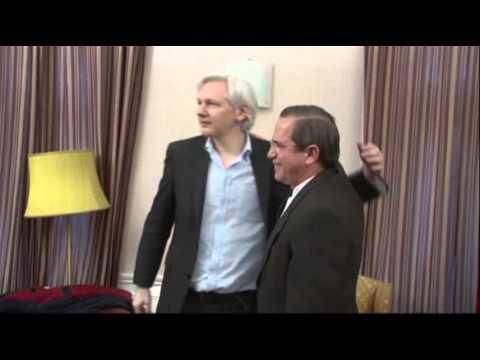 Raw: Ecuadorean Foreign Minister Visits Assange