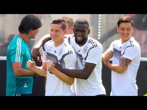 Trainingslager in Südtirol: Das DFB-Team ist fast vol ...