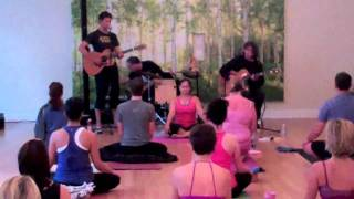 Steve Gold Performing At Bala Yoga Kirkland