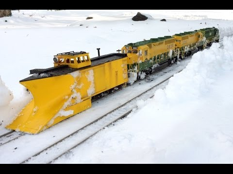 Train snow plow limited only by scale
