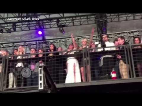 (VIDEO) Kim Kardashian's HOT Dance Moves at Kanye West's Concert (видео)