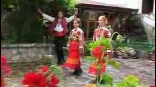 Македонски песни за маса