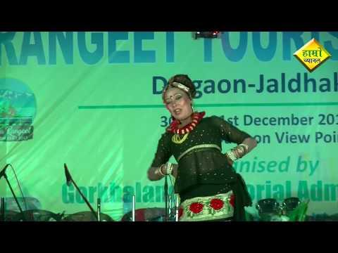 Video Pannu Gazmer performs in assamese song Nepali Jadio Axomiya by surekha chhetri download in MP3, 3GP, MP4, WEBM, AVI, FLV January 2017