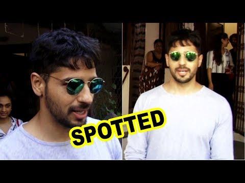 Sidharth Malhotra Spotted At BandraSidharth Malhotra Spotted At Bandra
