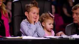 Dwulatka z mamą wychodzą na scenę! Gdy pozwoliła córce zatańczyć jurorzy nie wierzyli jak to robi!