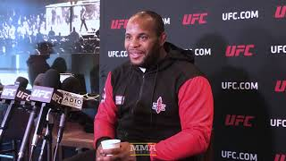 Video Daniel Cormier Details His Perspective of Khabib vs. McGregor Brawl  - MMA Fighting MP3, 3GP, MP4, WEBM, AVI, FLV Oktober 2018