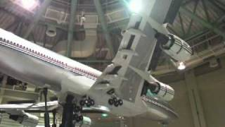 Video Boeing 747-400 1/8 scale model (landing sequence) MP3, 3GP, MP4, WEBM, AVI, FLV Juni 2018