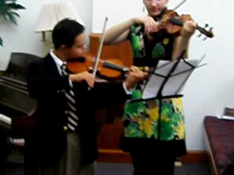 Veure vídeo Down Syndrome: Emmanuel Bishop Violin Recital 1