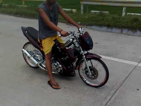Raider 150 Drag Race