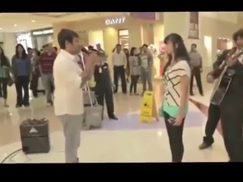 Video LOVE Proposal in Shopping Mall - Weird Girl's Reaction download in MP3, 3GP, MP4, WEBM, AVI, FLV January 2017