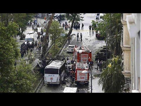 Κωνσταντινούπολη: Επίθεση κατά λεωφορείου της αστυνομίας