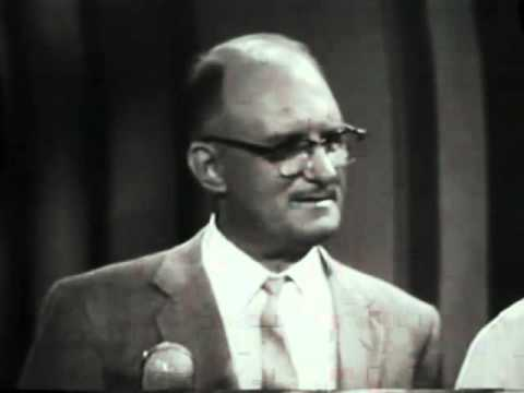 Groucho Marx in You Bet Your Life   Show 25   inc comedy dance   Part 1   pdcomedy com