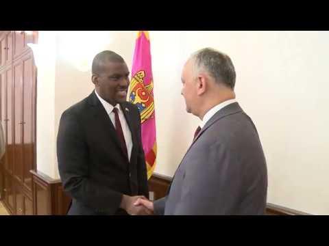 Президент Игорь Додон провел встречу с Послом Дереком Хоганом