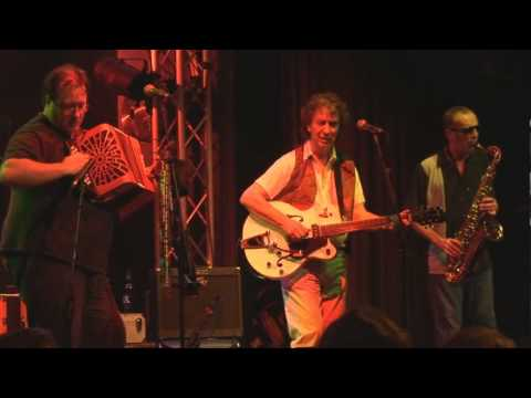 Lawdy Miss Clawdy -  live at Gloucester Festival 2010