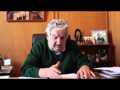 Senador uruguayo José Mujica extiende saludo a participantes del VI Foro de los FPH - Perú 2015