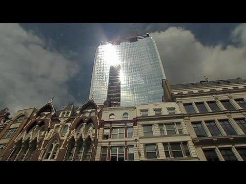 El rascacielos que incendia con sus cristales